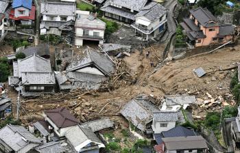 西日本豪雨で異例の広域被害 8府...