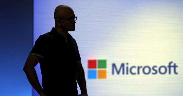 マイクロソフトに迫る2020年問題 クラウド巡る競争激化