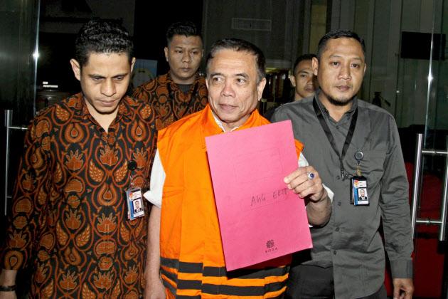 インドネシア、地方の汚職深刻 ...