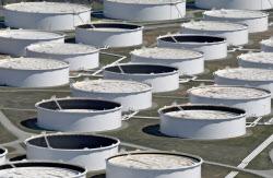 米オクラハマ州の石油タンク=ロイター