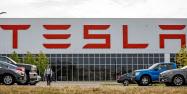 パナソニックとテスラが共同設立した太陽電池工場(8月、米ニューヨーク州)=ロイター