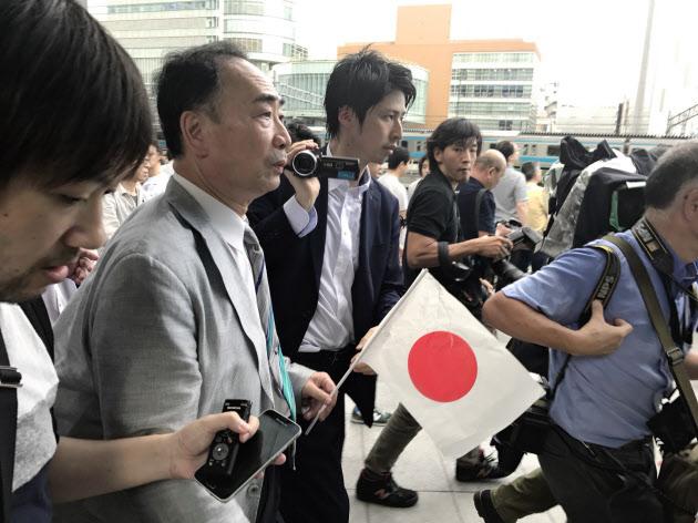 nikkei.com - アキバ演説、験担ぎなるか