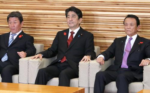 首相「消費増税へ政策総動員」 1...