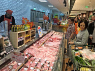 中国の物価動向は豚肉価格に左右される(北京市内のスーパー)