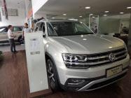 10月の中国の新車販売台数は独フォルクスワーゲン(VW)など大手の多くが前年実績を割り込んだ(広東省広州市のVW販売店)