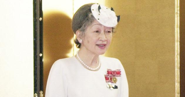 平成の天皇と皇后 自らを削って紡ぐ言葉  :日本経済新聞
