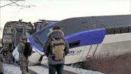 8日、韓国北東部の江陵で脱線した高速鉄道KTX=(聯合=共同)