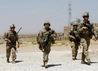 米、アフガン撤収18カ月以内 タ...