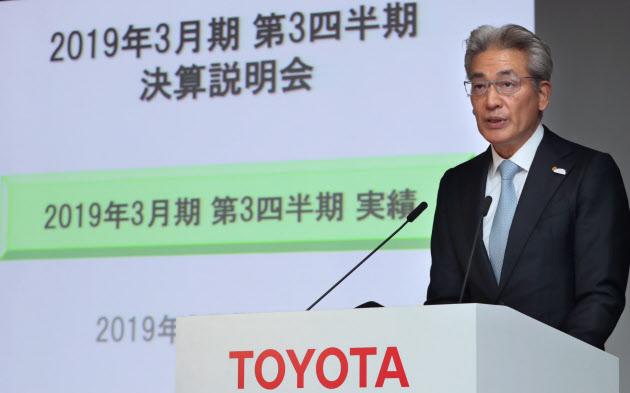 【決算】トヨタ、純利益25%減に下方修正 今期1兆8700億円に
