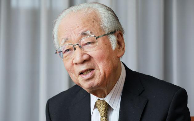 堺屋太一: 堺屋太一さん死去 作家、元経済企画庁長官 :日本経済新聞