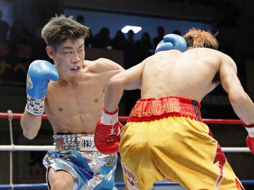 ボクシング谷口、チャンピオンに...