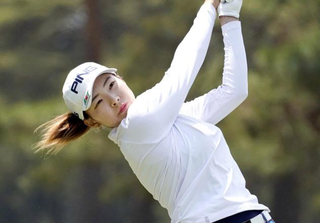 20歳渋野がツアー初優勝 サロンパス杯女子ゴルフ(写真=共同) のTwitterの反応まとめ