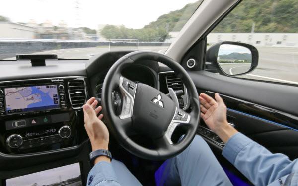 【自動車】高速道の自動運転、20年実現へ前進 改正法が成立【レベル4自動運転へ】