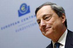 ECBのドラギ総裁(8日、ブリュッセル)=ロイター